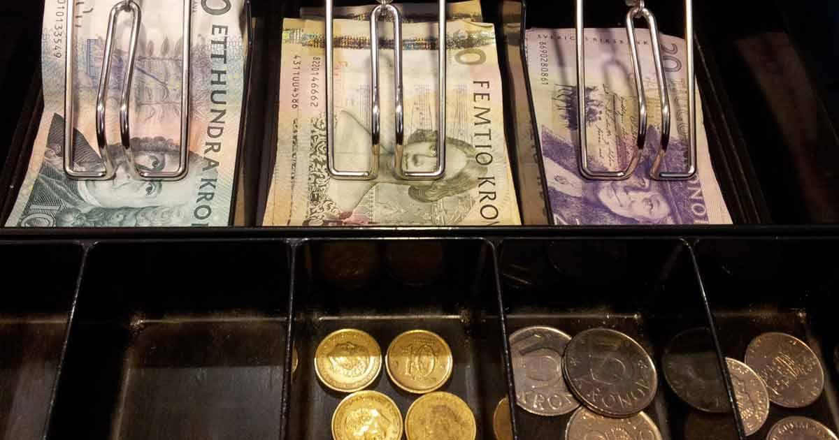 Kontanterna – kostar pengar
