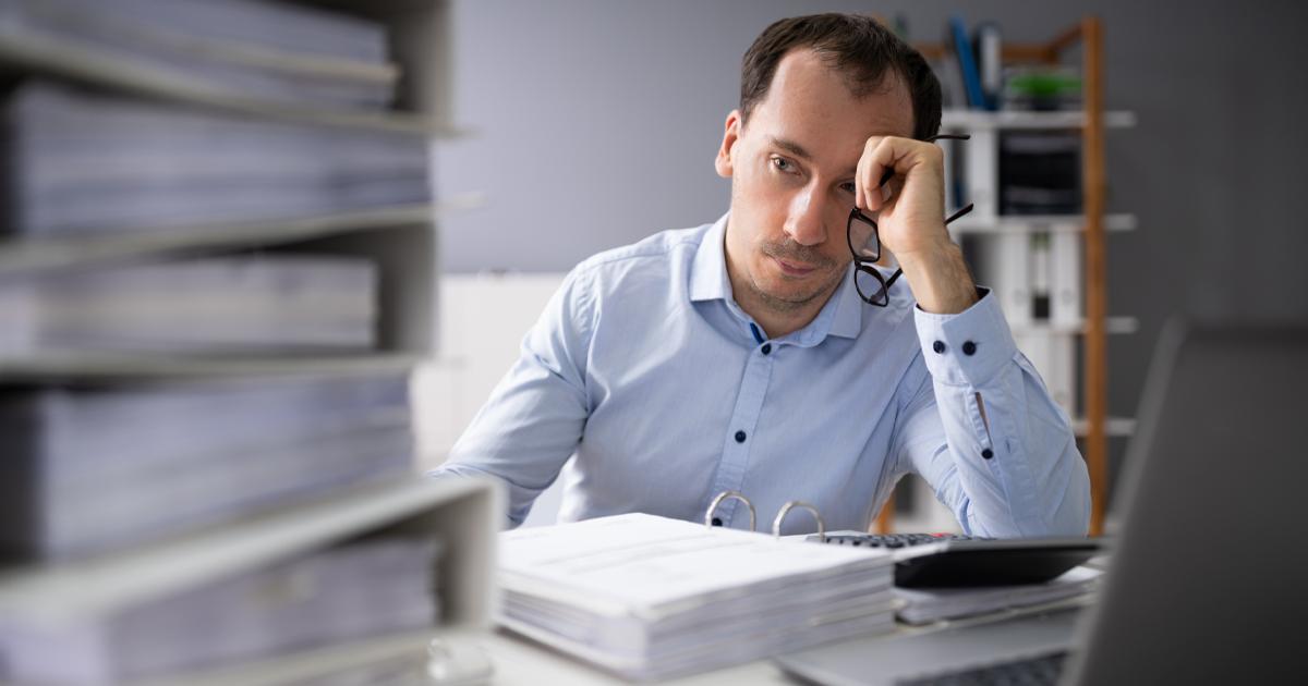 Vad händer om skulderna är större än tillgångarna vid en konkurs?