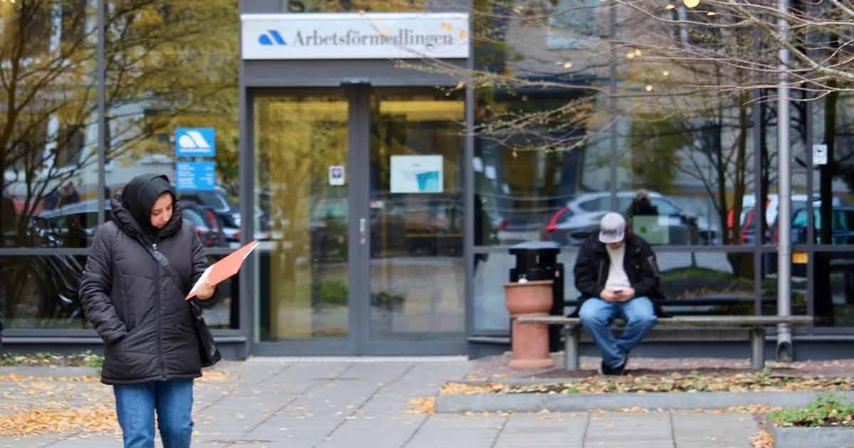 SEB spår en arbetslöshet på 14 procent i höst