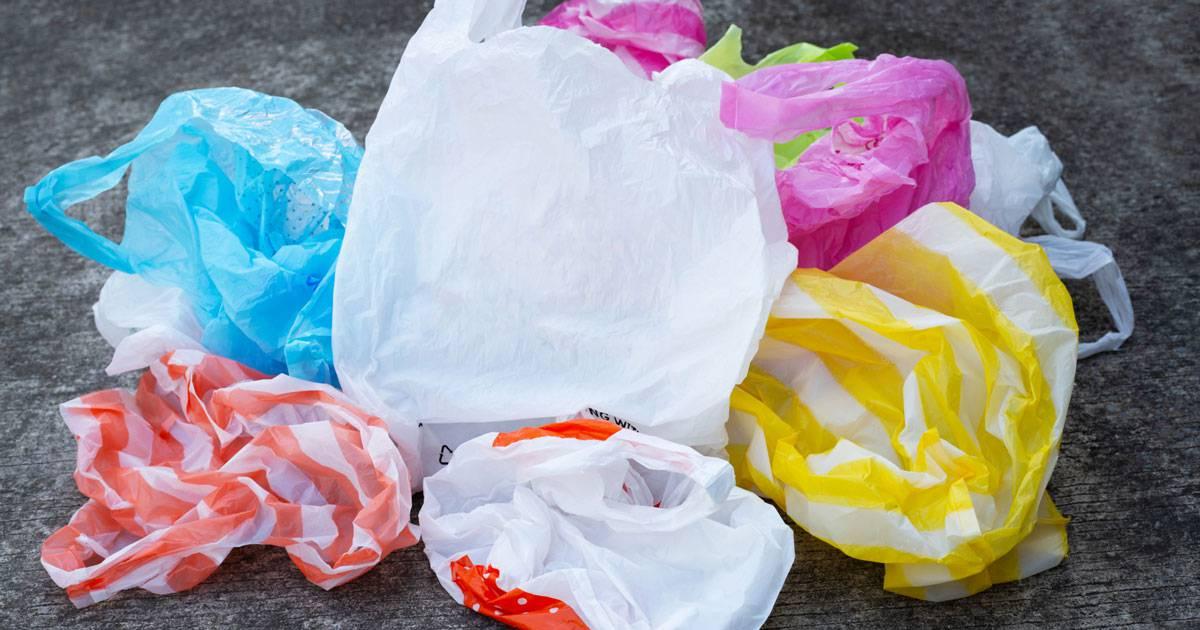 Svensk Handel kräver att plastpåseskatten rivs upp